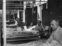 1977-3571 Patiënten in de B.D, de dependance van het Bergwergziekenhuis aan de Hildegardisstraat.