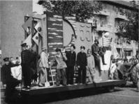 1977-3591 Herdenking van de bevrijding in 1945. Historiese optocht Recht zo die gaat .