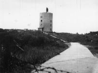 1977-3841 Duitse verdedigingswerken in de duinen bij Hoek van Holland.