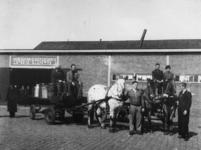 1977-3862 Het vervoer van gamellen vanaf de centrale keuken