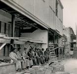 XIV-453-07 Noodwinkel van de Voss in aanbouw aan de Mathenesserlaan.