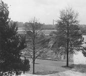 1981-132 Een overzicht vanuit het huis aan de Pieter de Hoochweg nr. 108 (latere Dunantstraat).