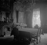 1981-185 Interieur van het woonhuis van de familie Van Hoboken aan de Parklaan op huisnummer 13.