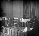 2005-317-104 Slaapkamerinterieur van huize Welgelegen , het woonhuis van het echtpaar Van Hoboken-De Monchy aan de ...
