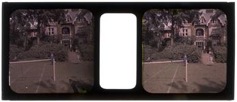 26-22-43 Stereofoto, autochroom, een vakantiefoto van de familie Stahl - Van Hoboken. Mogelijk is dit buitenplaats De ...
