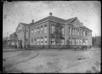 2007-2543-01 Het gebouw van de Nederlandsche Handels-Hoogeschool aan de Pieter de Hoochweg.