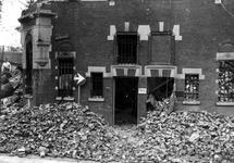 1980-5007 Gezicht op de door het Duitse bombardement van 14 mei 1940 getroffen Wijnstraat met nr. 119,, hoek van ...
