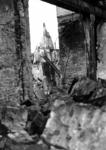 1980-5014 Gezicht op de door het Duitse bombardement van 14 mei 1940 getroffen Zuidblaak met op nr. 18, bank voor ...