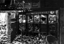 1980-5016 Gezicht op de door het Duitse bombardement van 14 mei 1940 getroffen Zuidblaak, met op nr. 18, bank voor ...