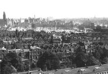1980-5042 Een overzicht op de door het Duitse bombardement van 14 mei 1940 getroffen omgeving van de Provenierswijk, ...