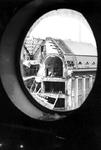 1980-5045 De door het Duitse bombardement van 14 mei 1940 getroffen Meent met een verwoest deel van het postkantoor. ...