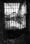1980-5049 Gezicht op de door het Duitse bombardement van 14 mei 1940 getroffen Zuidblaak, met nr. 18, bank voor handel ...