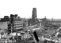 1980-5072 Gezicht vanaf het Erasmushuis op de door het Duitse bombardement van 14 mei 1940 getroffen omgeving van de ...