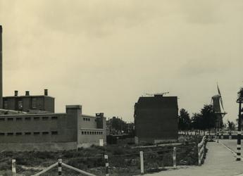 IV-343-77 Wederopbouw van de Hoge Boezem, hoek Vredenoordlaan.