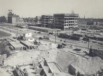 IX-281 De Blaak met bankgebouwen in aanbouw, links bank R. Mees en Zonen, gezien vanaf kledingwarenhuis Gerzon.