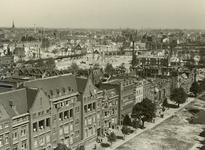 XXXIII-569-35-31 Overzicht met op de voorgrond links het Sint-Franciscusziekenhuis aan de Schiekade en omgeving met ...