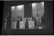 1079-01 Jubileumfeest van het Rotterdamsch Nieuwsblad in Palace aan de Zomerhofstraat. Op de foto bigband Compositors.