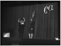 1079-02 Jubileumfeest van het Rotterdamsch Nieuwsblad in Palace aan de Zomerhofstraat.