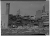 1120-02 Verbouwing van het gebouw van het Rotterdamsch Nieuwsblad aan de Schiedamse Vest, gezien vanaf de Westblaak. ...