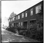 119-03 Leegstaande woningen die gesloopt zullen worden voor de bouw van het Kleinpolderplein.