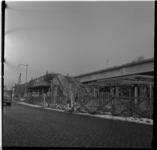 152-01 Werkzaamheden Maashaven Oostzijde aan het viaduct van de metrolijn op de zuidoever. Uit een serie over de bouw ...