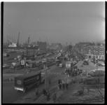 169-01 Overzicht op de markt aan de Maashaven.