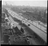 291-08 Rijksweg 13 door Overschie, gezien van noord naar zuid. Uit een serie over de veranderende verkeerssituatie in ...