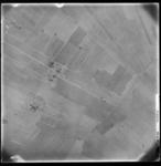 FD-4299-114 Verticale luchtfoto van de Holierhoeksche en Zouteveensche Polder (Vlaardingerambacht), met de Holyweg ...