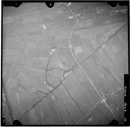 FD-4299-38 Verticale luchtopname van de Holierhoeksche en Zouteveensche Polder met de Slinksloot, de Vlaardingsche ...