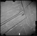 FD-4299-71 Verticale luchtfoto van de Duifpolder en de Vlietlanden met de Vlaardingsche Vaart.