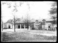 8286 De bewaarschool op Tuindorp Heijplaat.