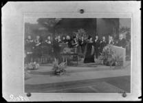 RDM-11208 H.M Koningin Wilhelmina in de ontvangsthal van de Rotterdamsche Droogdok Maatschappij, RDM, ter gelegenheid ...