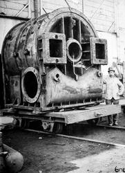 RDM-5 Album met foto's van de Rotterdamsche Droogdok Maatschappij ( RDM ). Onderwerpen: werktuigbouw, nieuwbouw ...