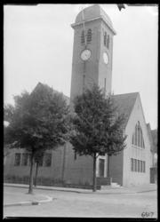 RDM-6517 De gereformeerde kerk op Tuindorp Heijplaat.