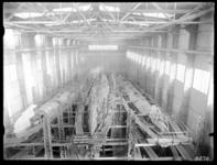 RDM-8270 De onderzeeboot Hr. Ms. 'K XV' (RDM-168) in aanbouw in de Onderzeebootloods van de Rotterdamsche Droogdok ...