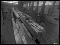 RDM-8341 Onderzeeboot Hr. Ms 'K XIV' (RDM-167) in aanbouw in de Onderzeebootloods van de Rotterdamsche Droogdok ...