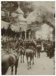 1968-1023 Versierde tribune opgericht door het Aestethisch Genootschep in het park ter gelegenheid van het bezoek van ...