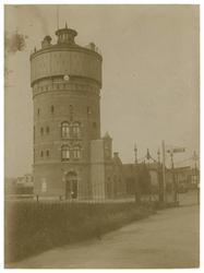 1969-252 Watertoren van Hulst aan de Schiehavenweg.