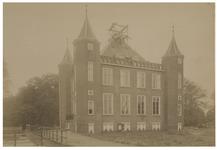 1975-275 Het Kasteel te IJsselmonde aan de Benedenstraat.