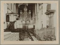 1975-277 Interieur van de Hervormde Kerk te IJsselmonde aan de Benedenstraat.