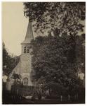 1975-279 Zicht op een kerkgebouw aan de Benedenstraat in IJsselmonde.