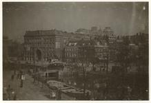 1977-110 Zicht op de Binnenwegsebrug uit het zuidwesten met op de voorgrond de Schiedamsesingel. Op de achtergrond ...