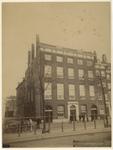 1980-1596 Groot Woonhuis. Stamhuis van de familie van Oordt op het Bolwerk met de hoek van de Hertestraat. Voor het ...