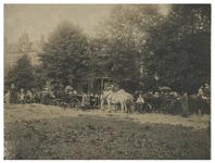 1982-857 Historische optocht te Delfshaven tijdens de kroningsfeesten bij de Schoonderloostraat. Bij de optocht mensen ...