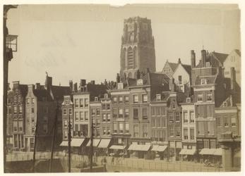 1990-1287 Huizen aan de Steigersgracht aan de achterzijde van de Hoogstraat, gefotografeerd vanaf het spoorwegviaduct. ...