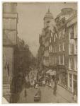 IX-1415-00-00-01 Een drukke Hoogstraat met links de Waalse Kerk en rechts de Rooms-katholieke St. Dominicuskerk. Aan de ...