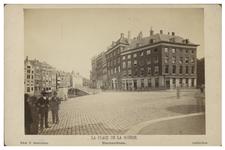 IX-1587-d De Kolk en de Kolkkade met aan de overkant het Fransch Koffijhuis , in de buurt van de Beurs.