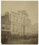 RI-996 Zicht op de ruiïne van het Museum Boymans aan de Korte Hoogstraat, kort na de brand (15-16 februari 1864).