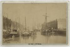 VII-464 Zicht op de Scheepmakershaven met enkele schepen erin.