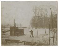VIII-37-00-00-01 Zicht op de Groene Wetering in een winters landschap.